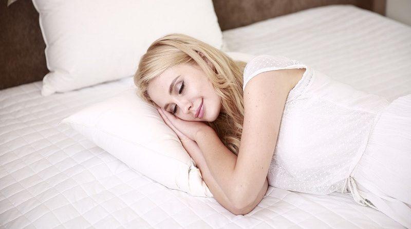 Consigli per dormire meglio in previsione del cambio di stagione
